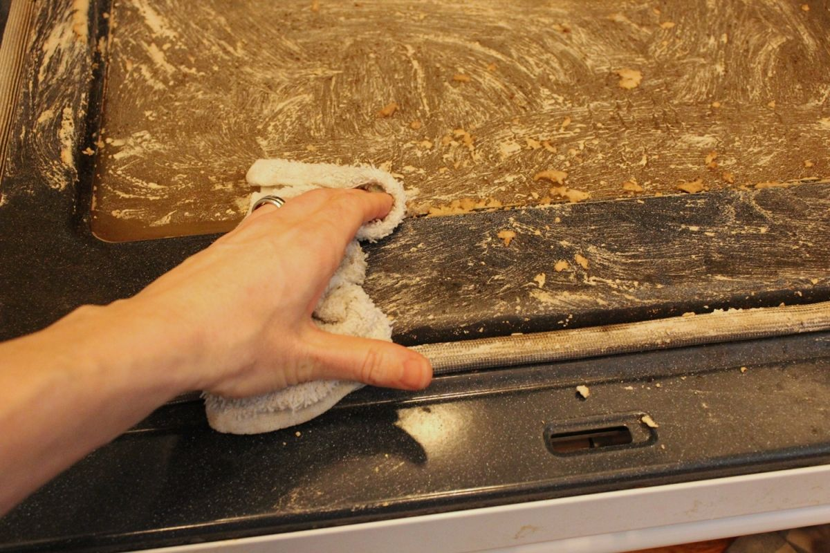 DIY Natural Ofenreiniger-greifen und reinigen