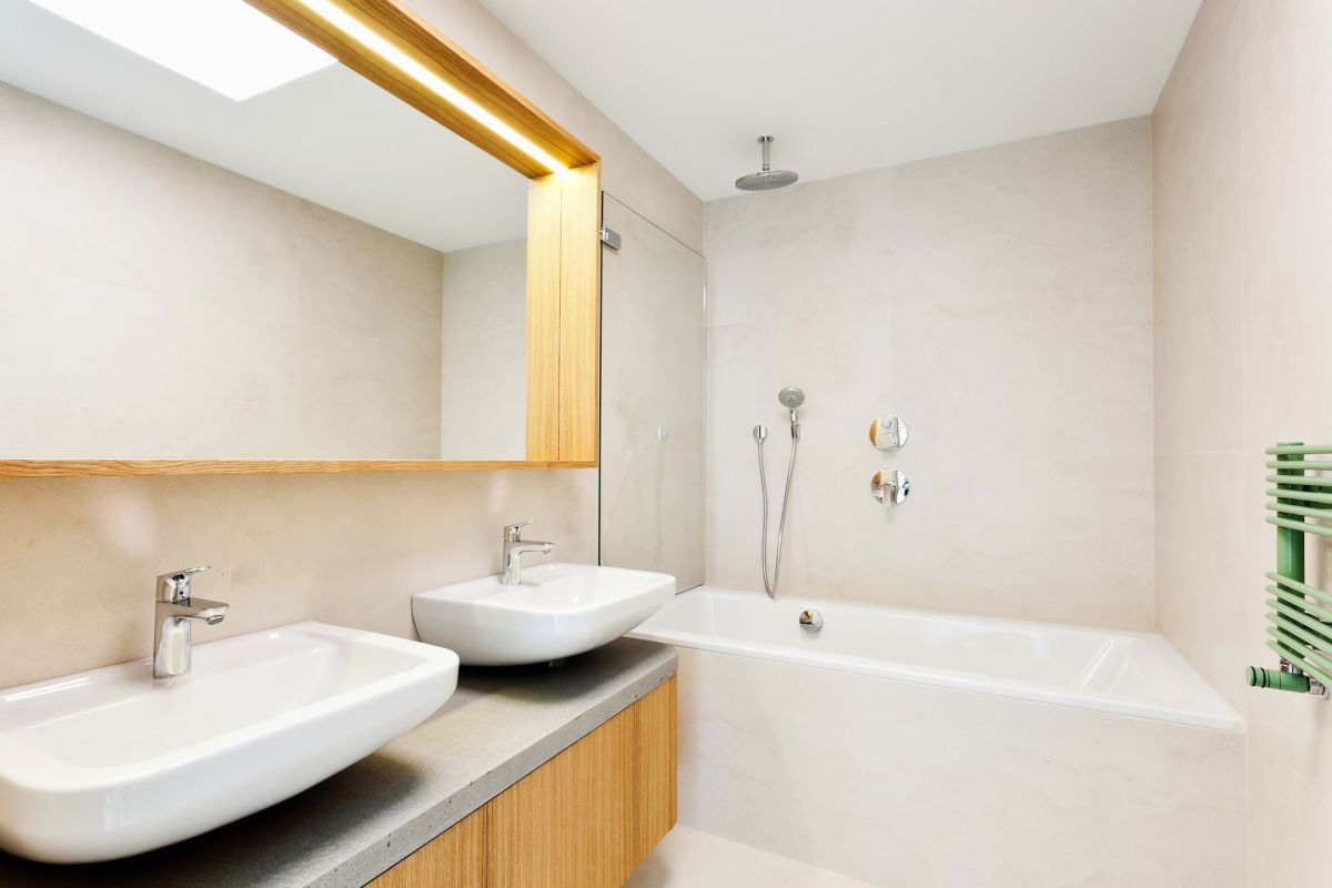 Family home in Slavonin bathroom mirror and tiles