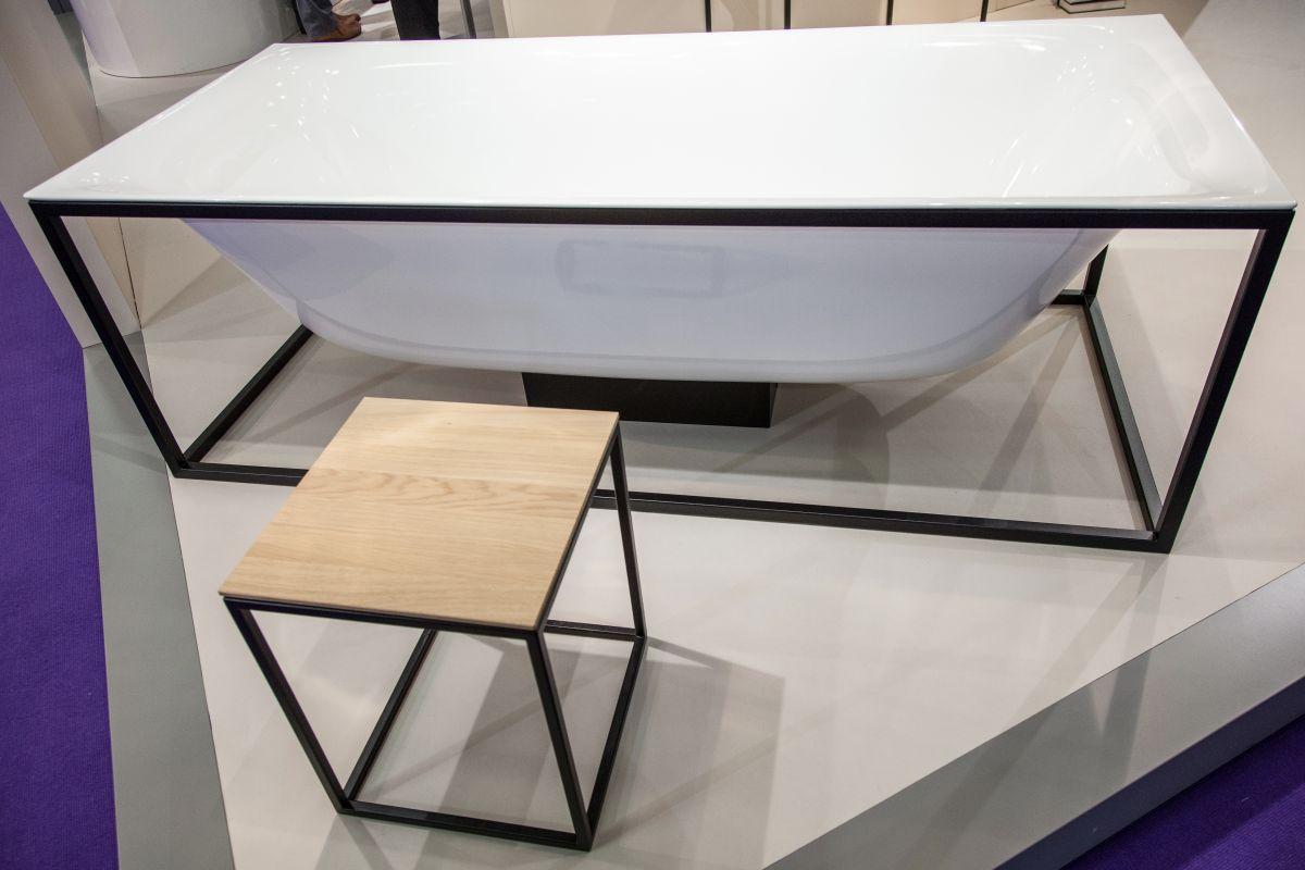 Frame freestanding bettelux bathtub