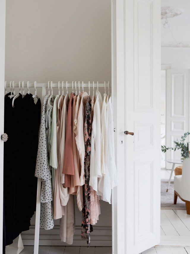Freestanding closet behind door