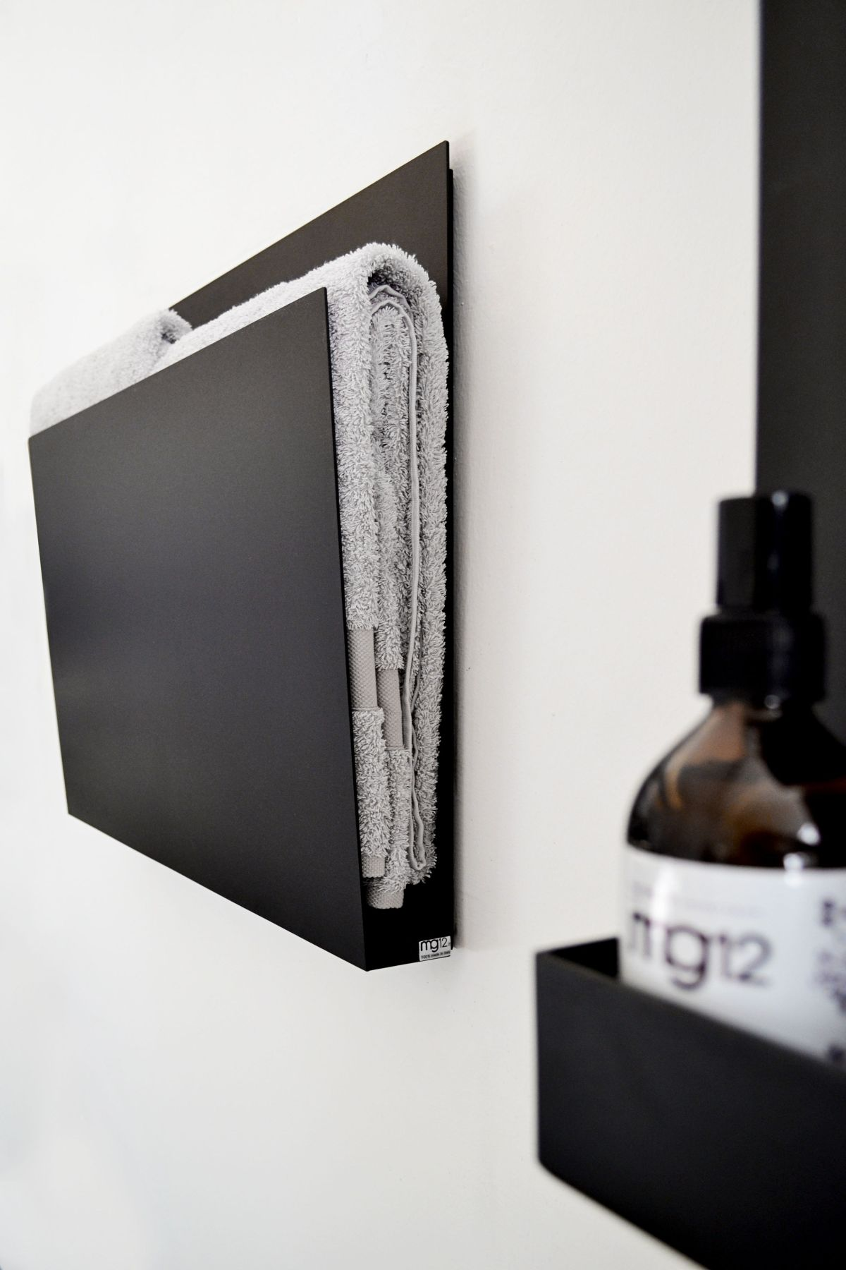 Magazine Towel warmer radiator