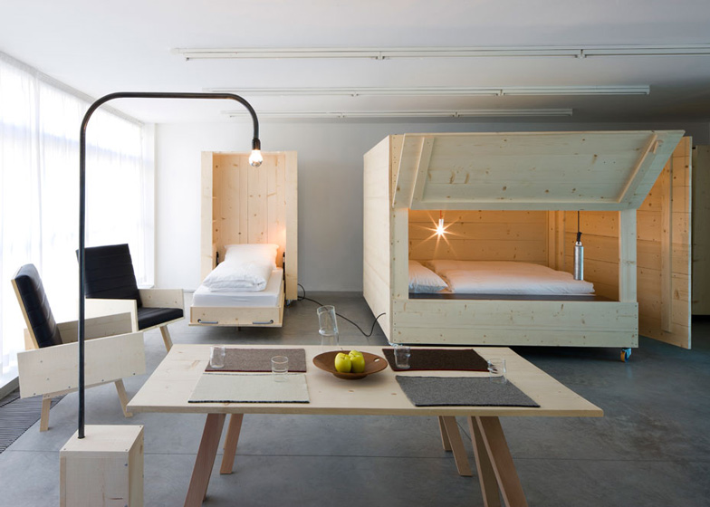 Mobile furniture and boxy beds