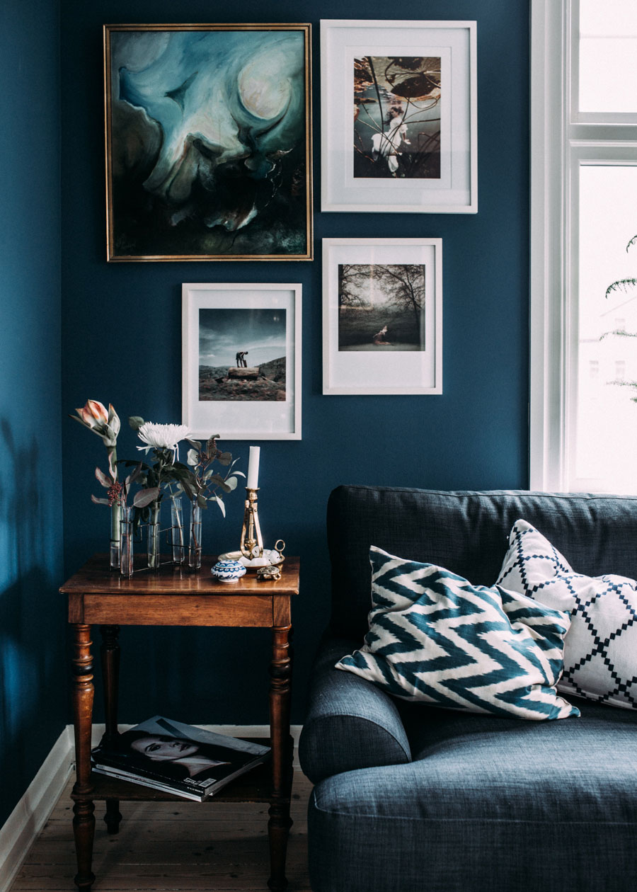 6 best paint colors to get you those moody vibes for Black white and blue living room ideas