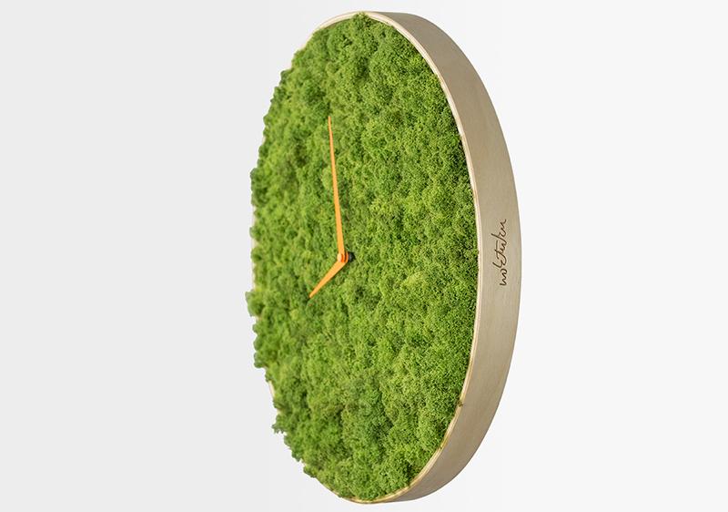 Moss clock design angle