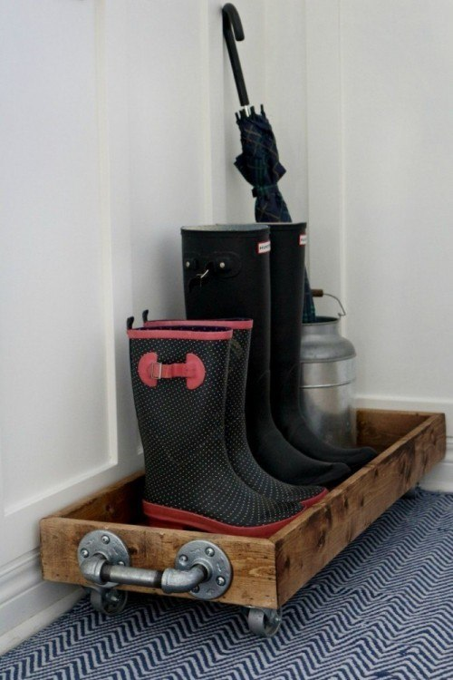 Mudroom boots tray