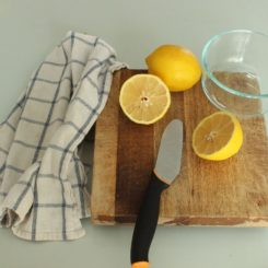 DIY Simple And Natural Microwave Cleaner