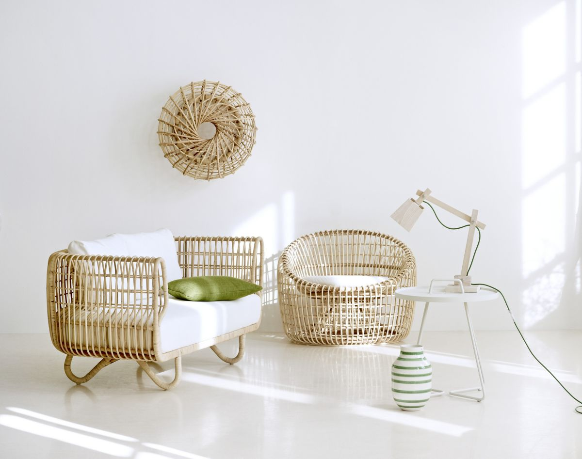 : white rattan chair - Cheerinfomania.Com