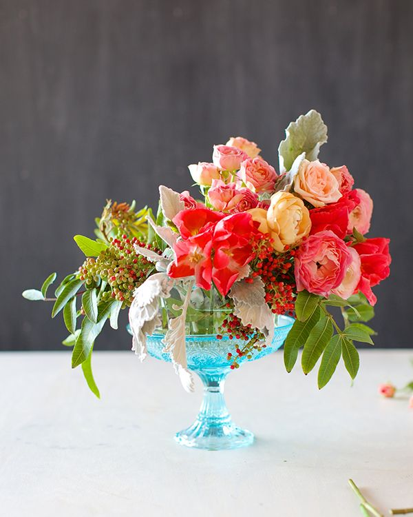 Romantic wedding table centerpiece