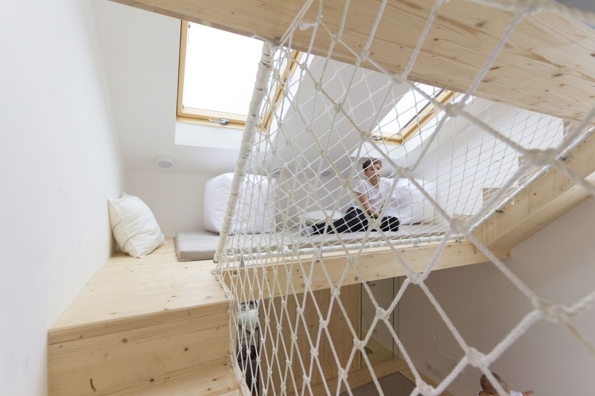 Ruetemple summer family home hammock floor and wall
