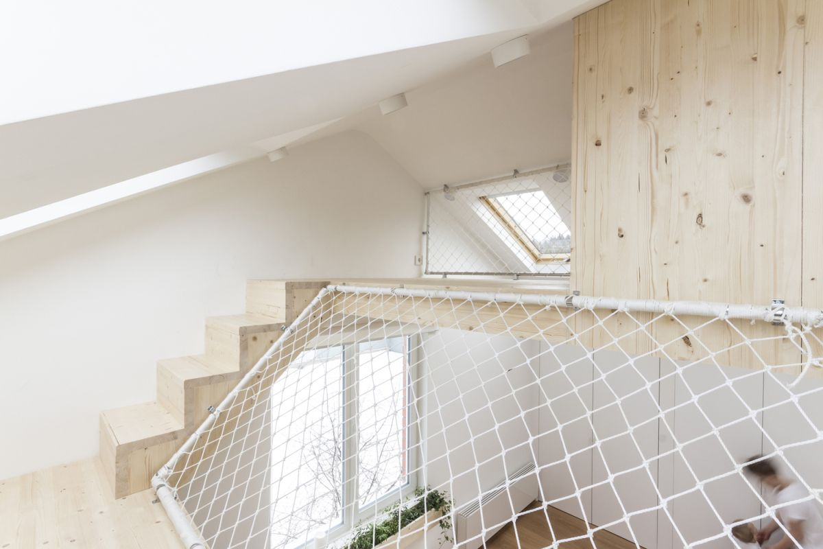 Ruetemple summer family home skylight