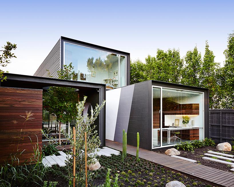 Stacked volumes angle by Austin Maynard Architects