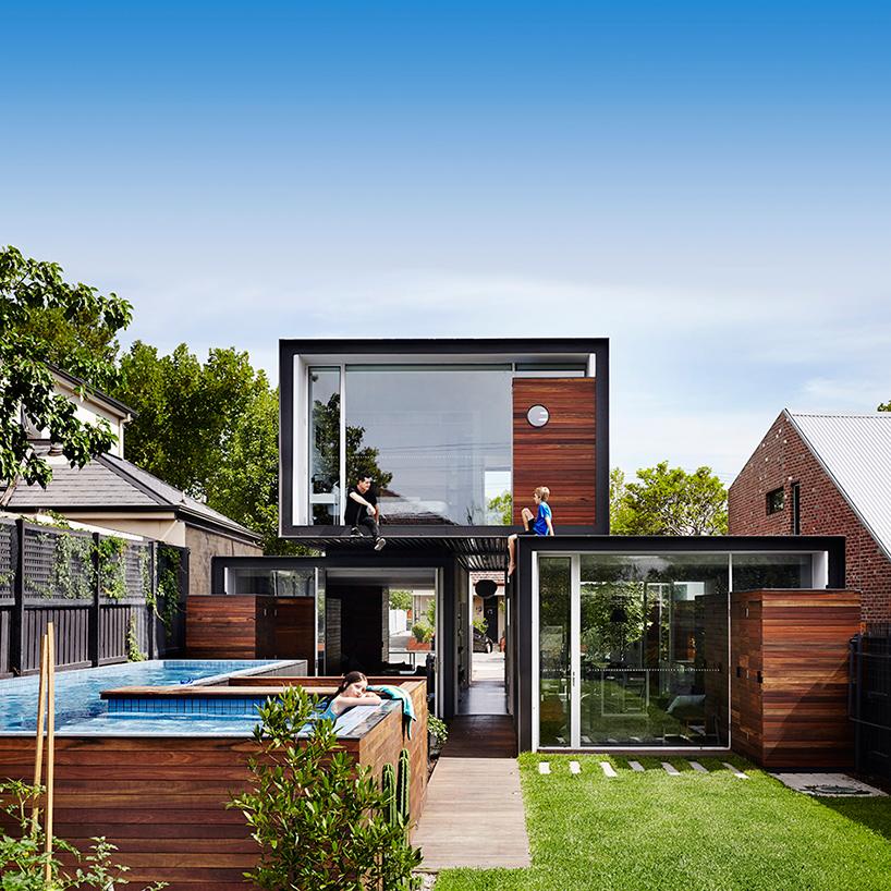 Stacked volumes by Austin Maynard Architects Backyard