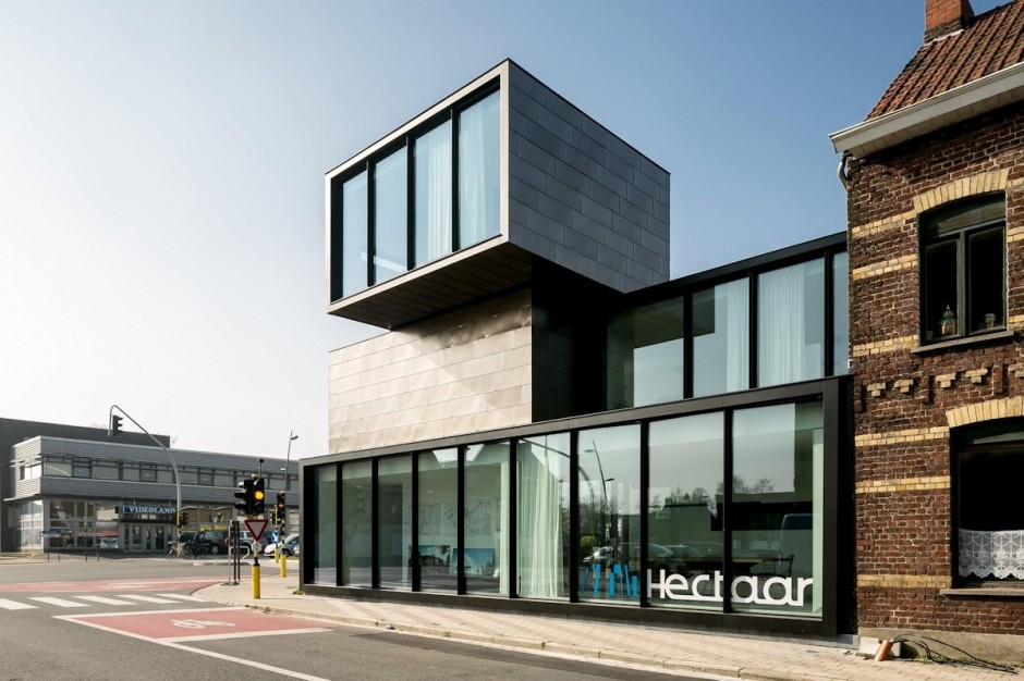 Stacked volumes office HECTAAR in Roeselare, Belgium Angle
