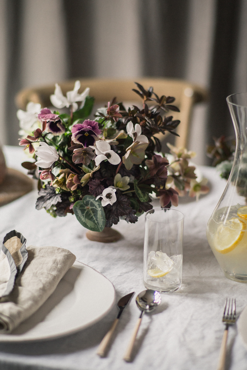 Table setting for spring