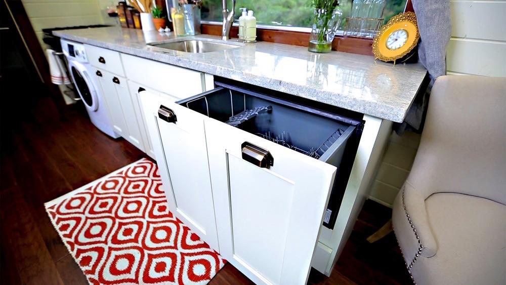 Vintage dishwasher