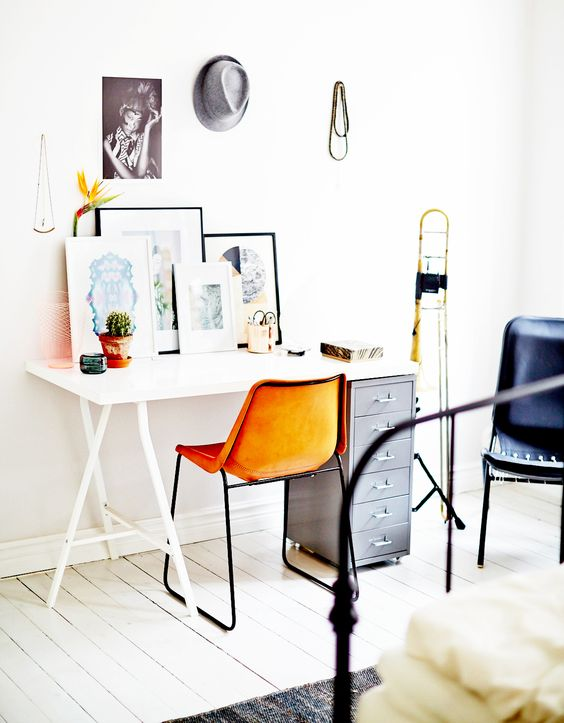White floor for a Eclectic Desk