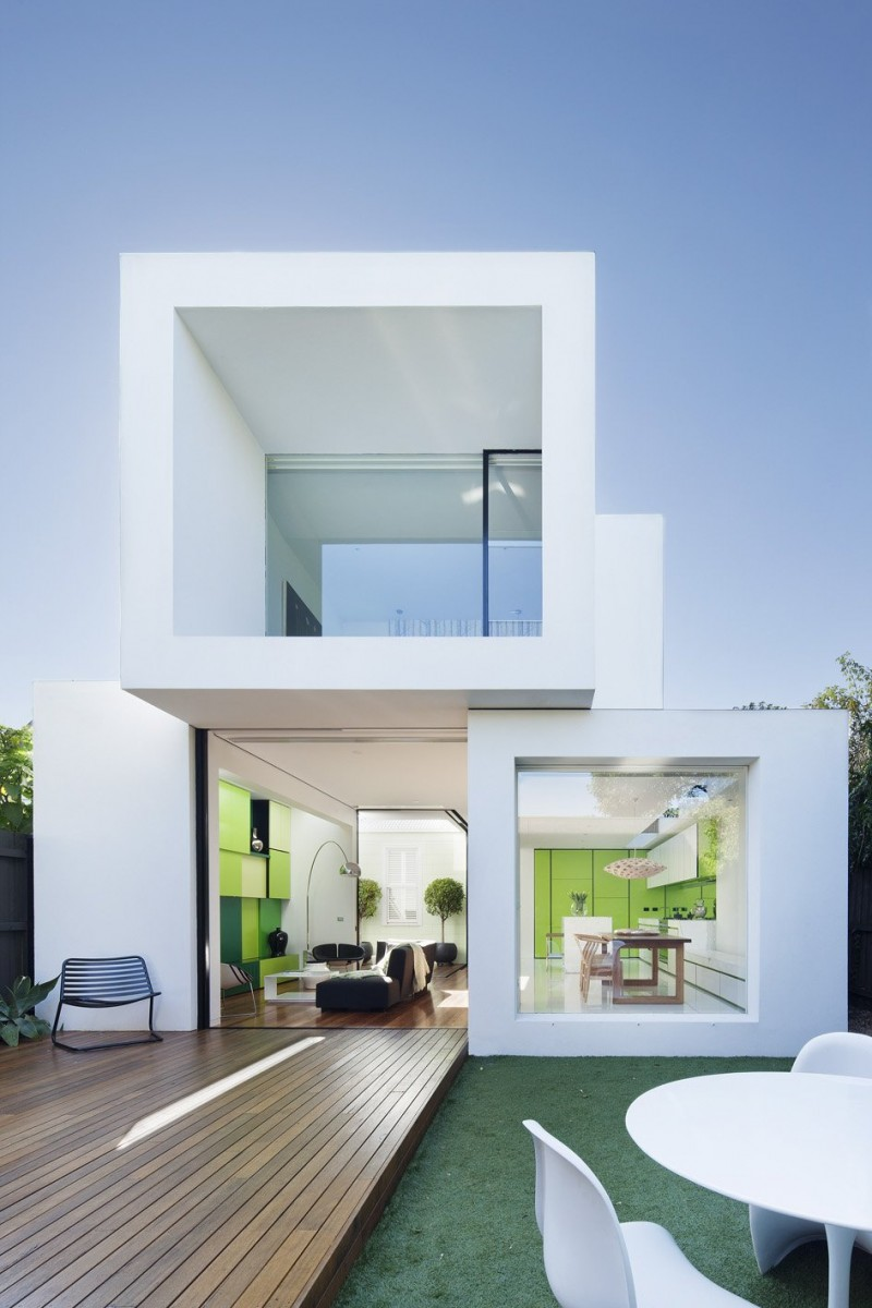 White stacked volumes for a house by Shakin Stevens House