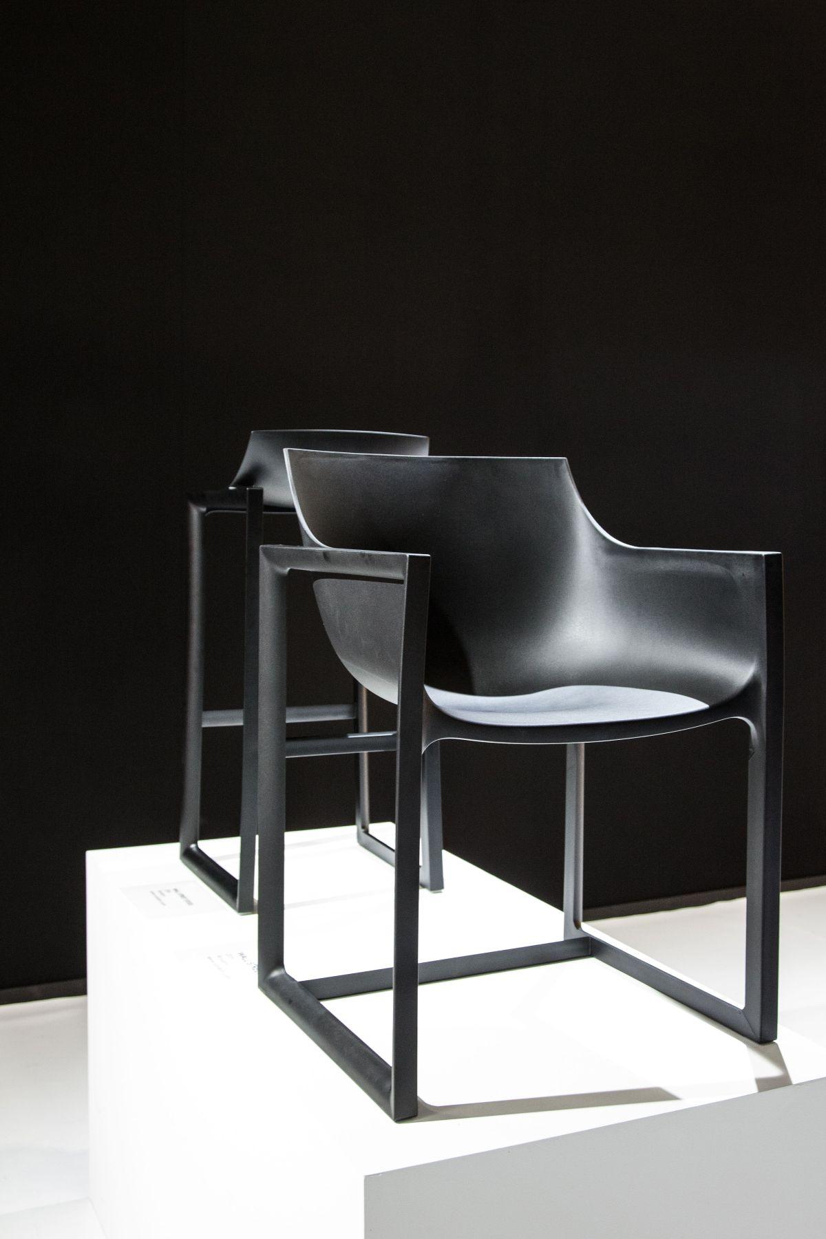 black pedrera chair for vondom