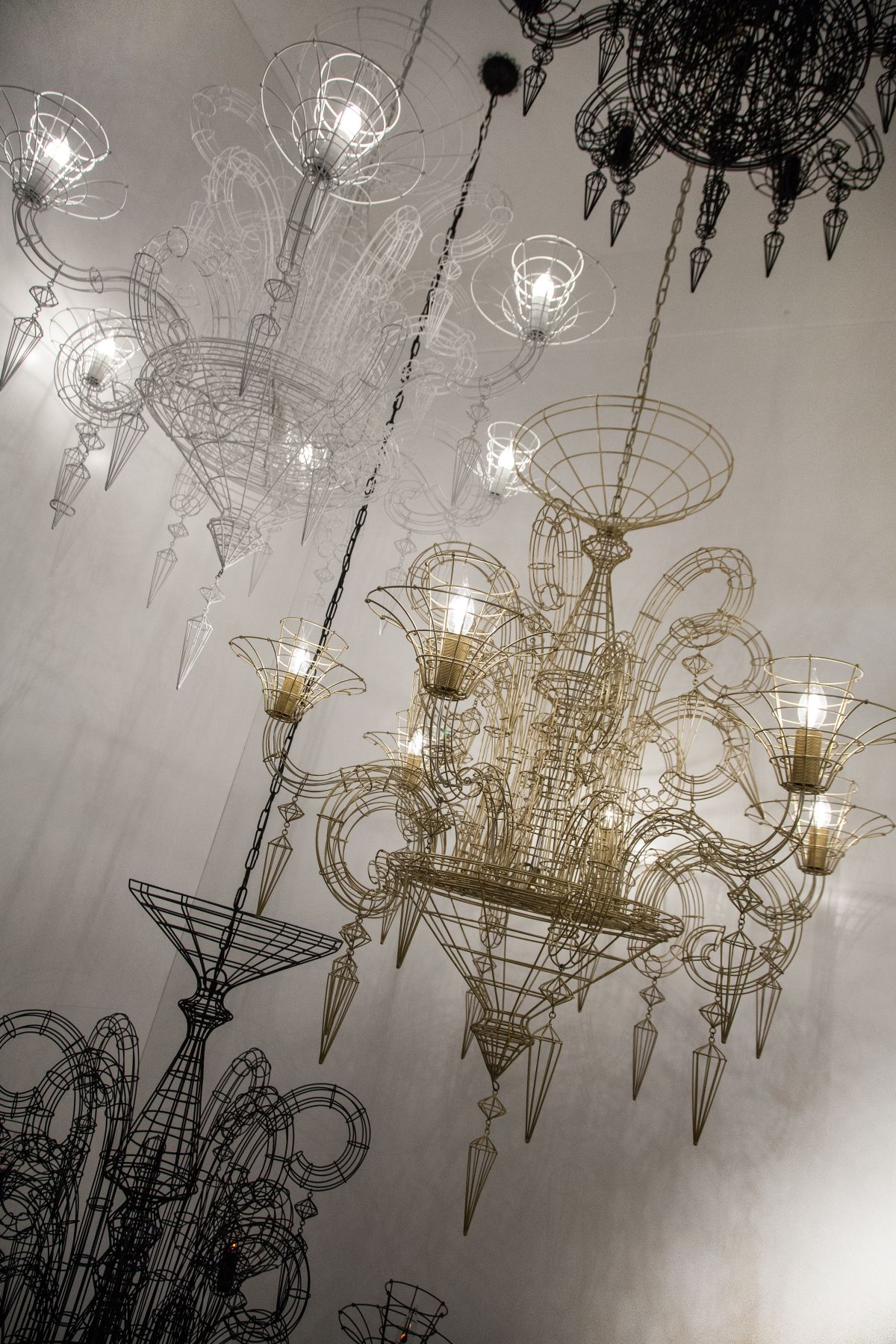 wire chandeliers2