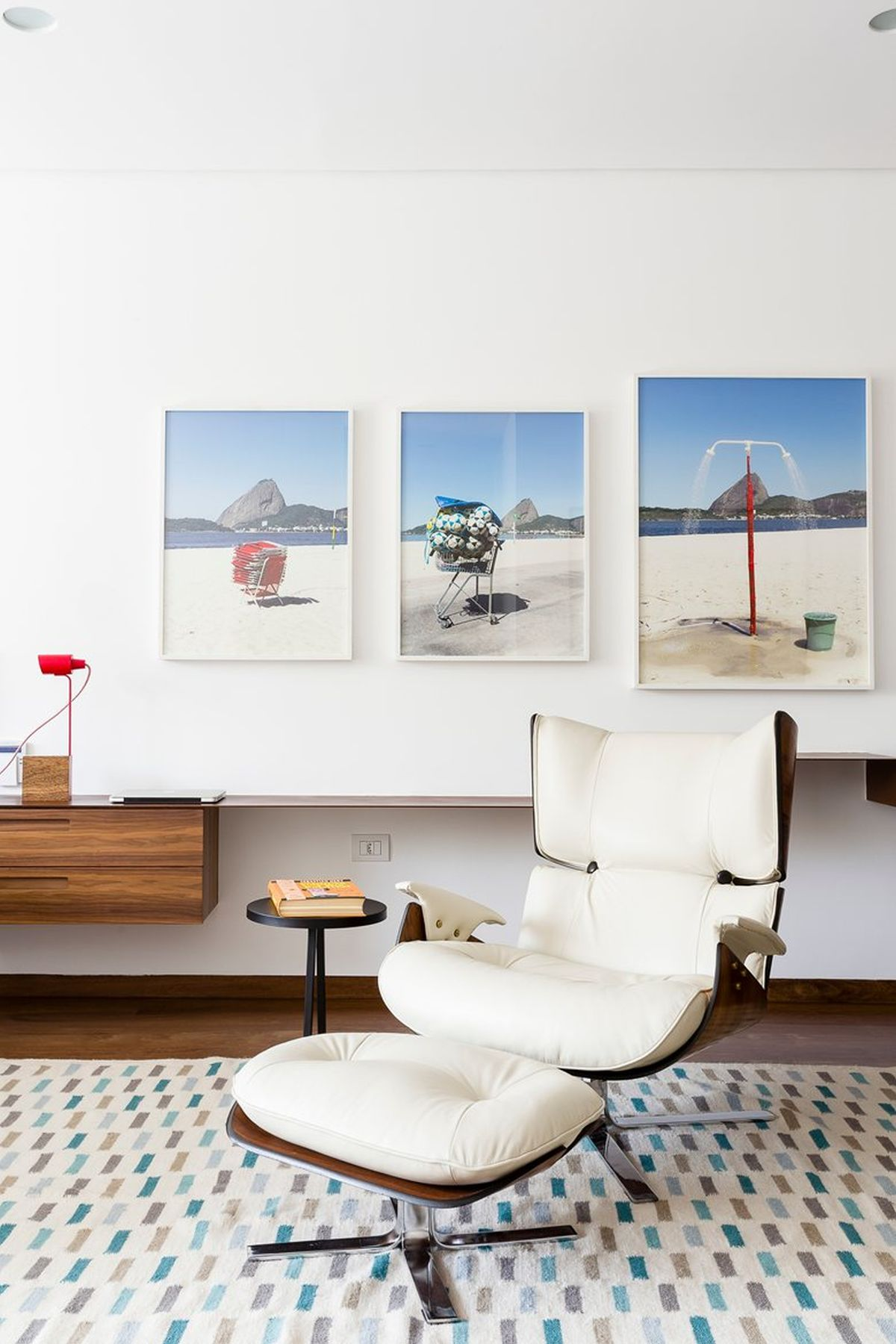 AA House lounge chair in office