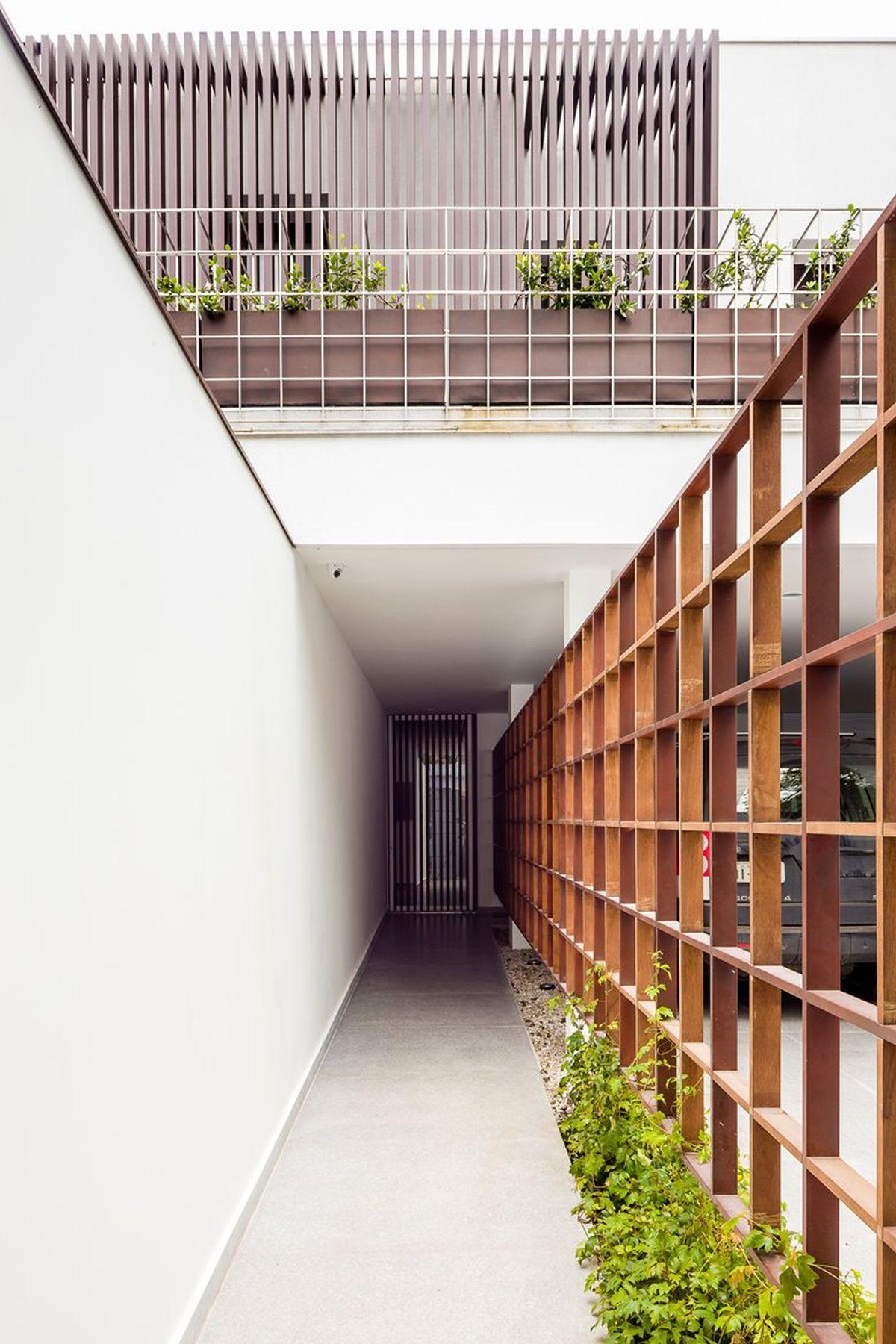 AA House wood divider on hallway