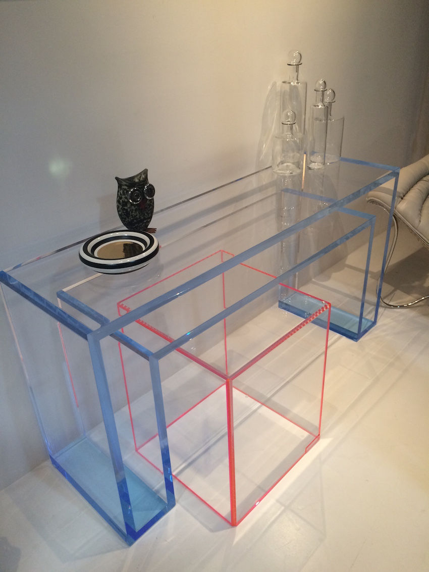 Acrylic tables design