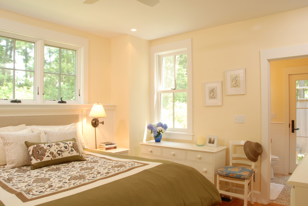 Apricot Bedroom Color Design