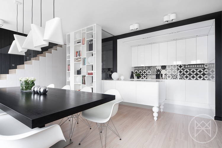 Black and white combo kitchen design