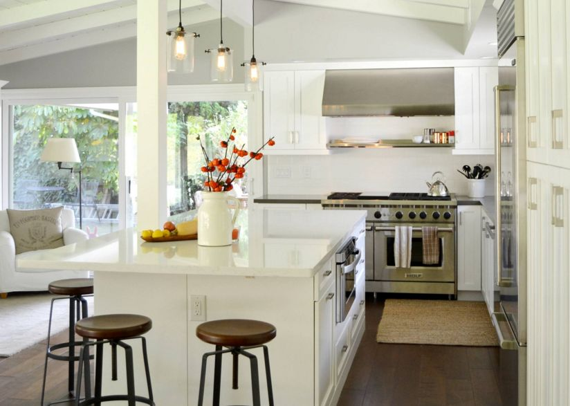 Cool White Traditional Kitchen With Chairs And Quartz Countertop