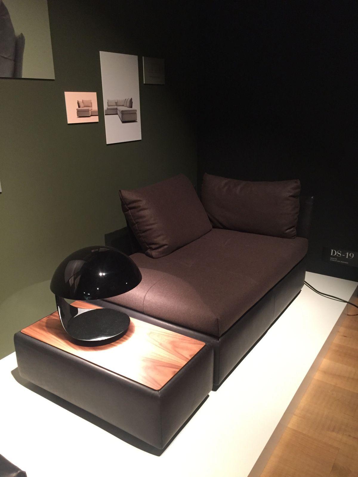 Corner chaise lounge