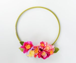 DIY Floral Spring Door Wreath With Crepe Paper
