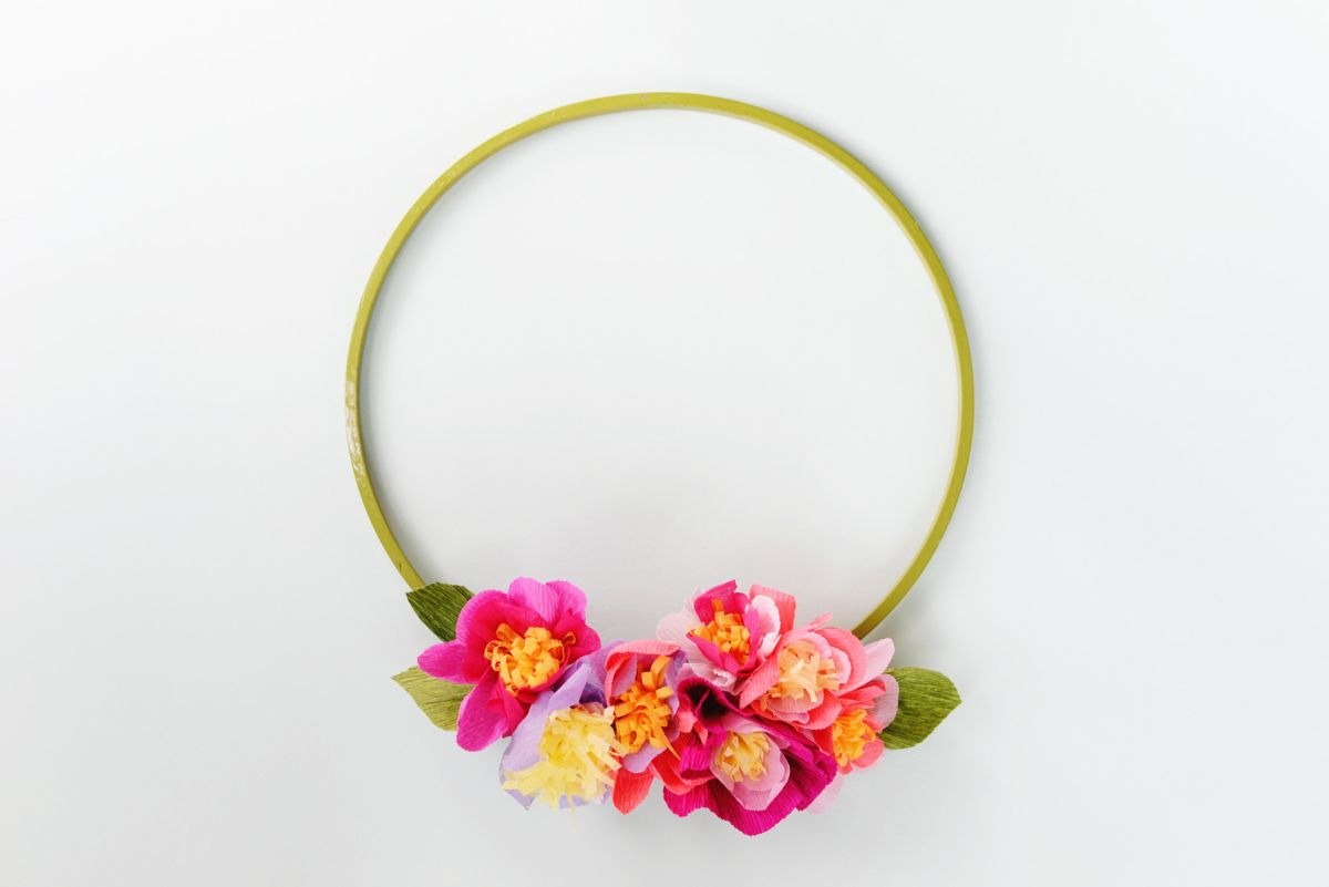 DIY Crepe Paper Floral Spring Wreath Project