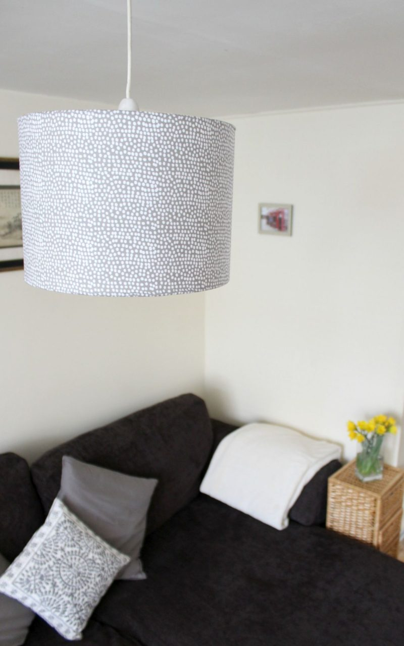 DIY Rolled Edge Fabric Lampshade
