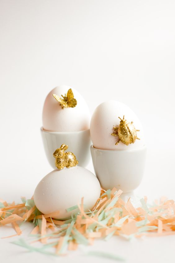 DIY glitter animal eggs