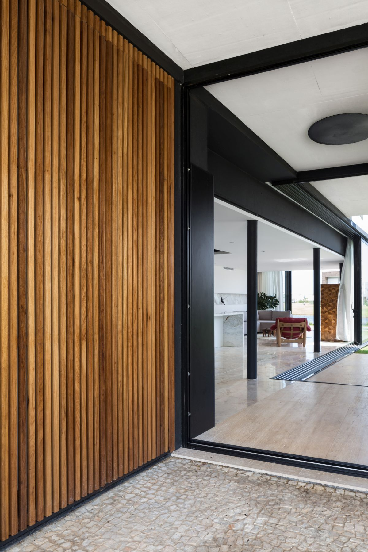 Enseada House in Brazil hallway and entrance