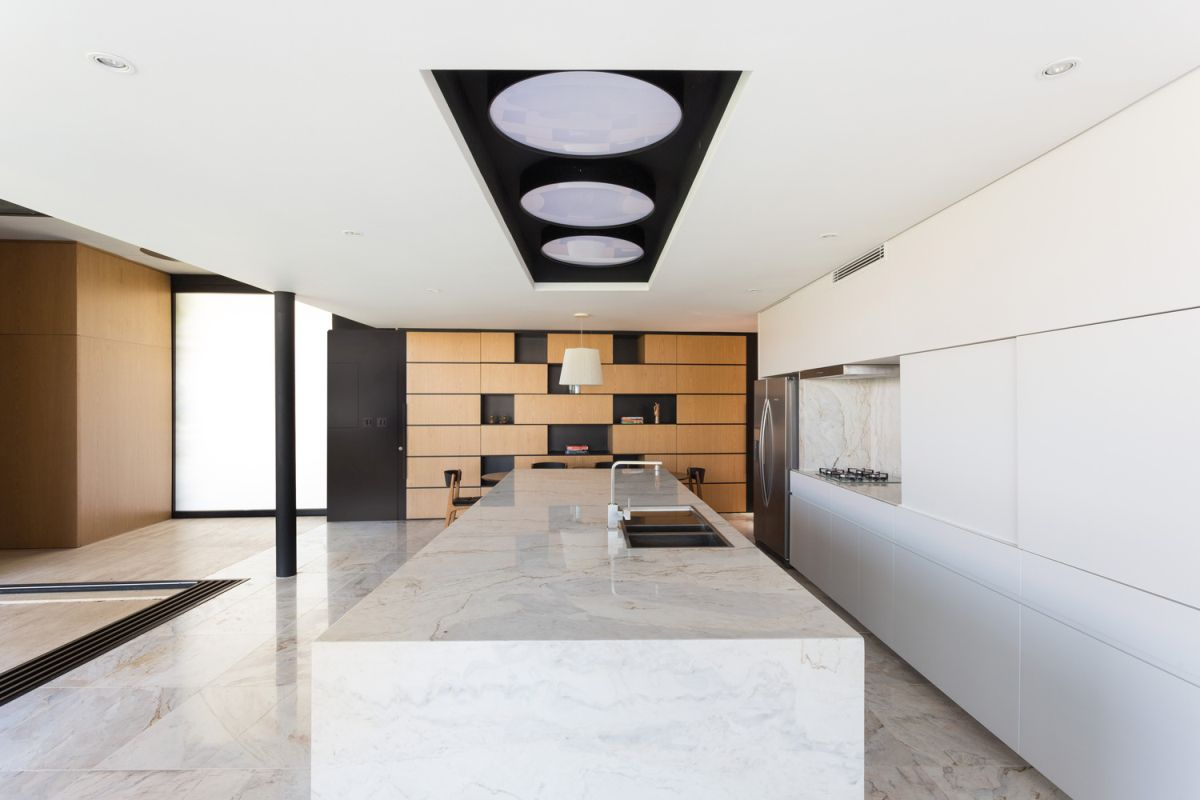 Enseada House in Brazil kitchen interior