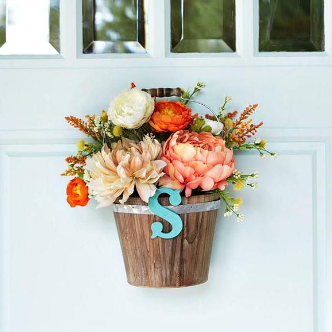 Floral door bucket