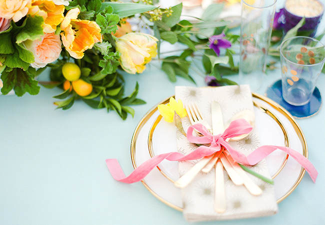 Gold easter table decor