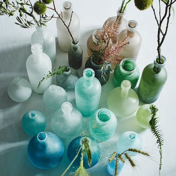 Gradient bud vase