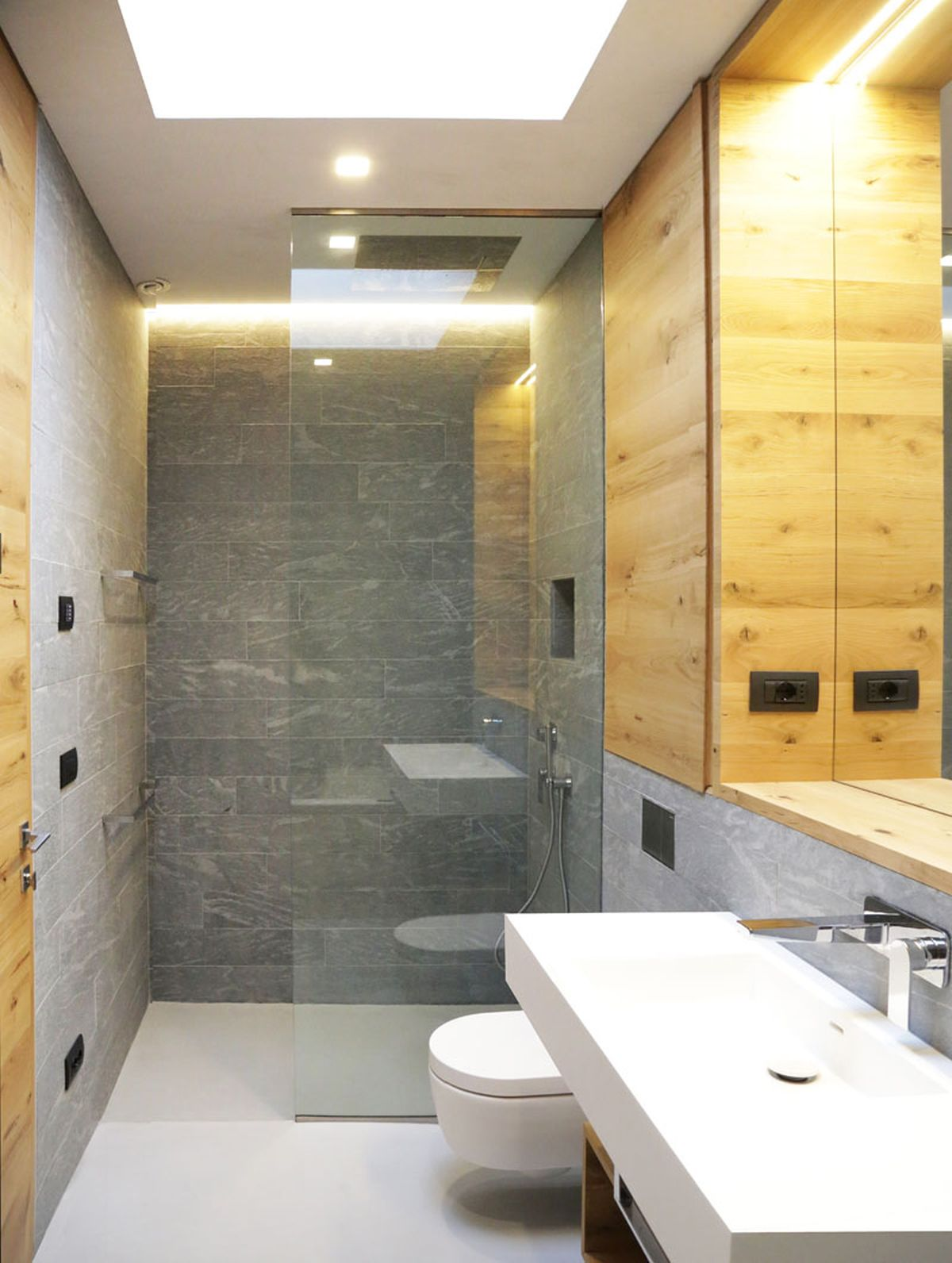Hillside villa in Liguria bathroom glass shower
