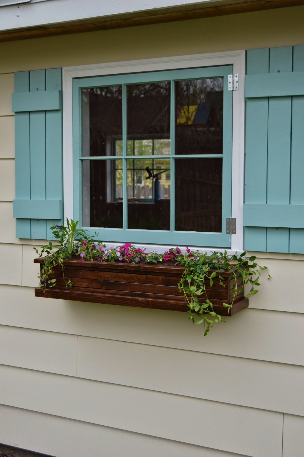 How to build flower boxes for window