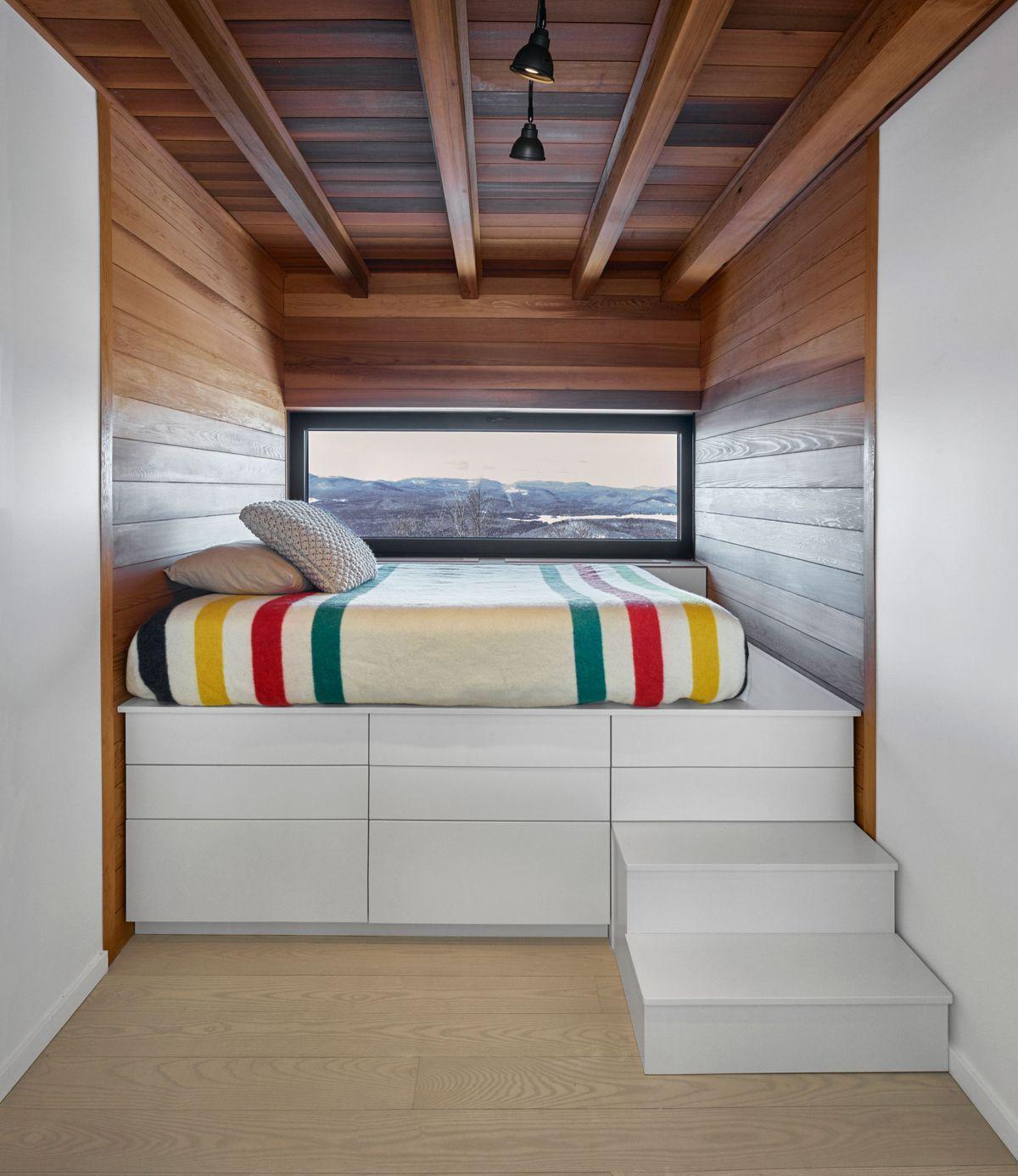 Laurentian ski chalet kid bedroom platform bed