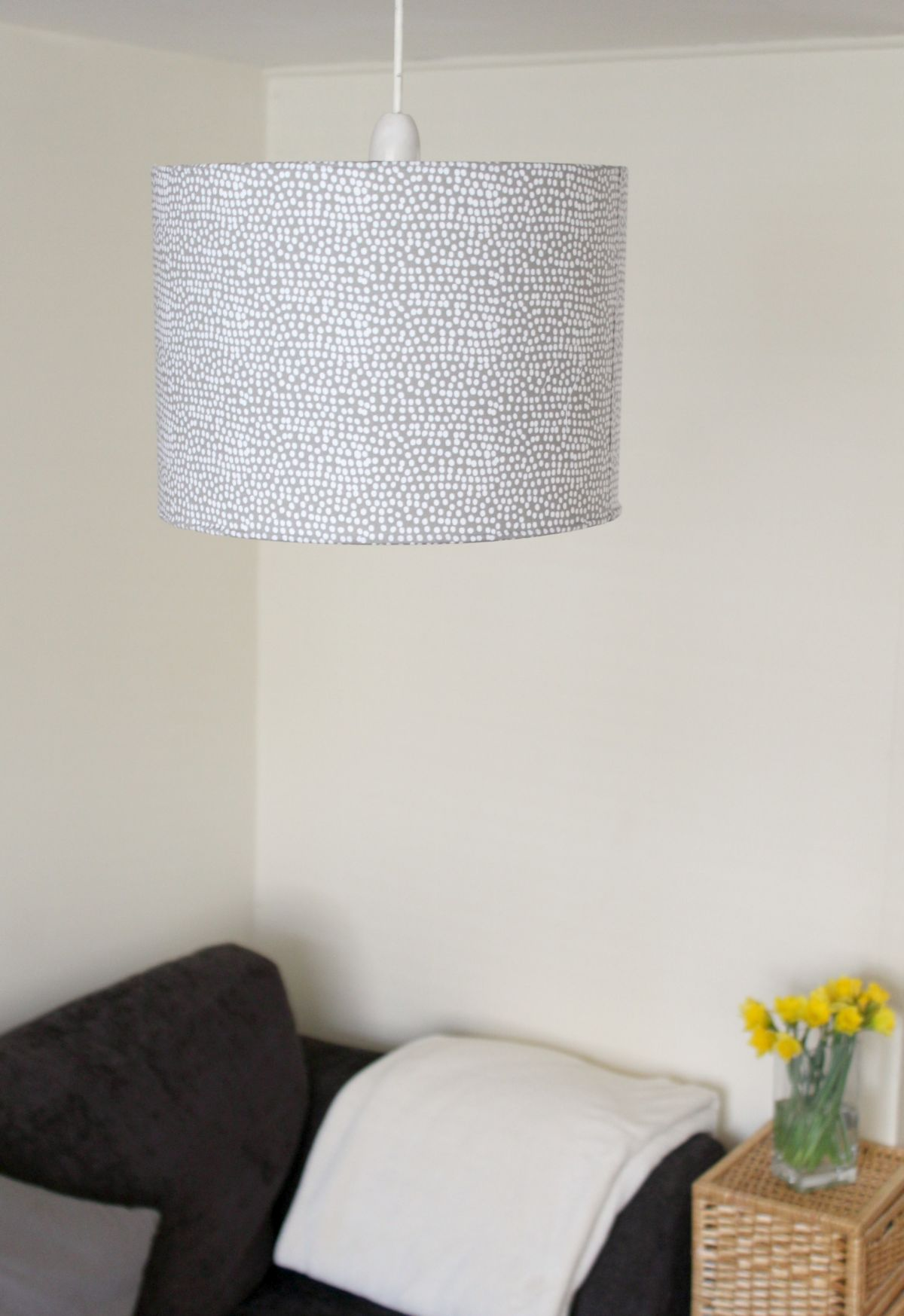 Living fabric lampshade
