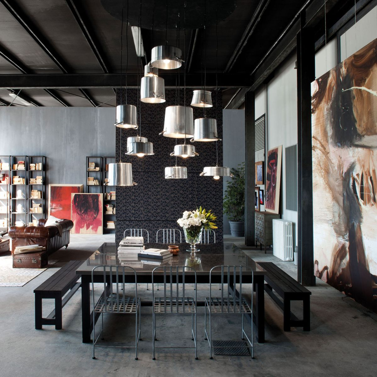 Loft Micassiolo in Milan dining area lighting