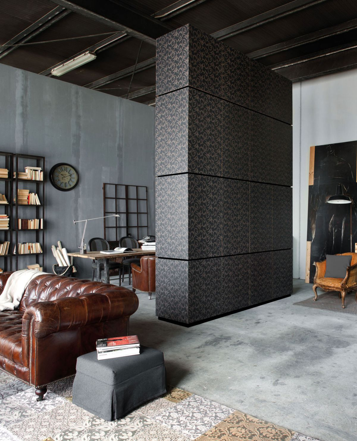 Loft Micassiolo in Milan wall divider