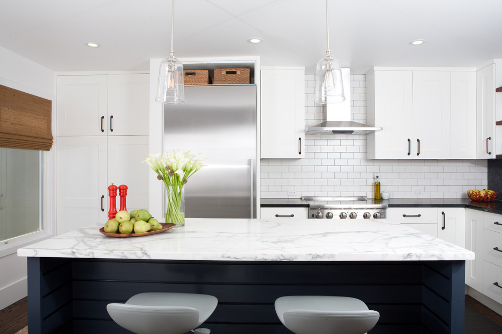 dress your kitchen in style with some white subway tiles rh homedit com Ceramic Tile Kitchen Floors Glass Subway Tile Backsplash