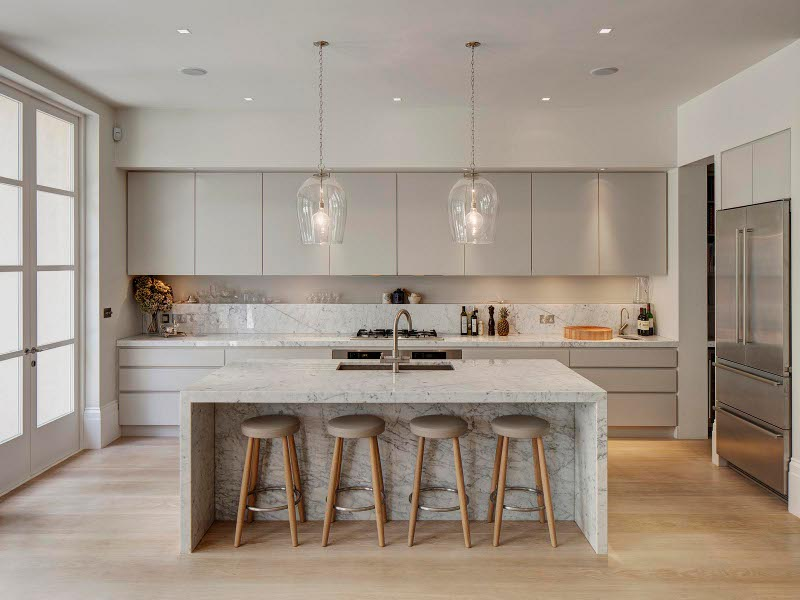 Marble island centerpiece design