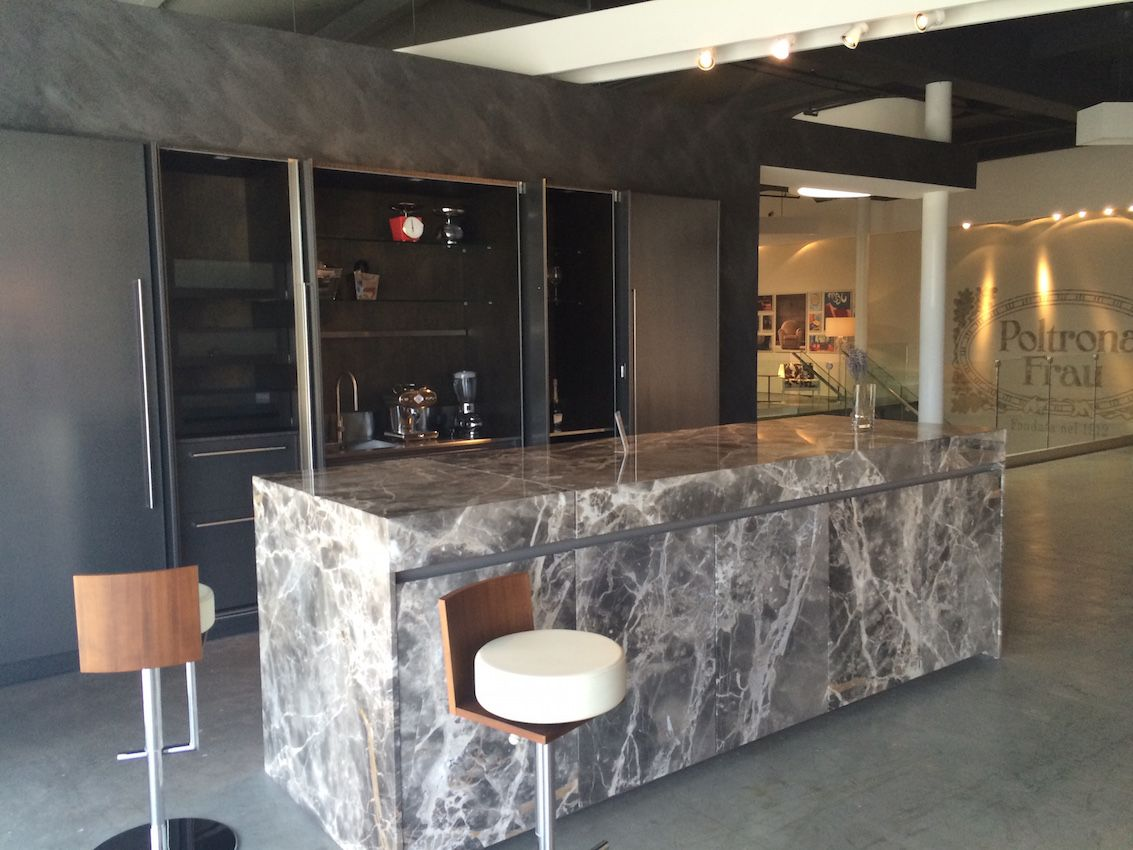 Marble veneer kitchen