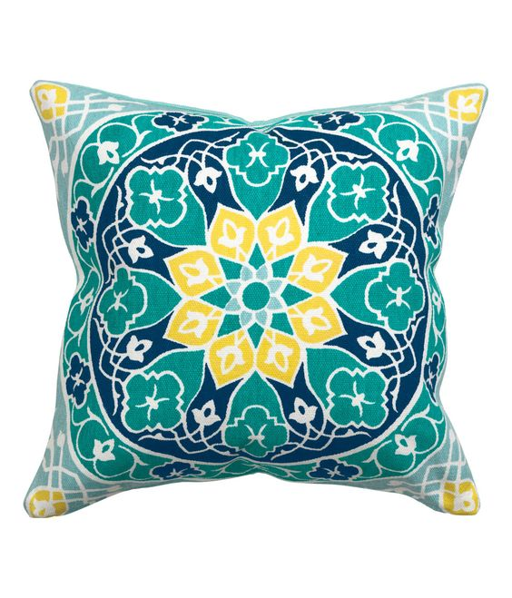 Medallion printed throw pillow