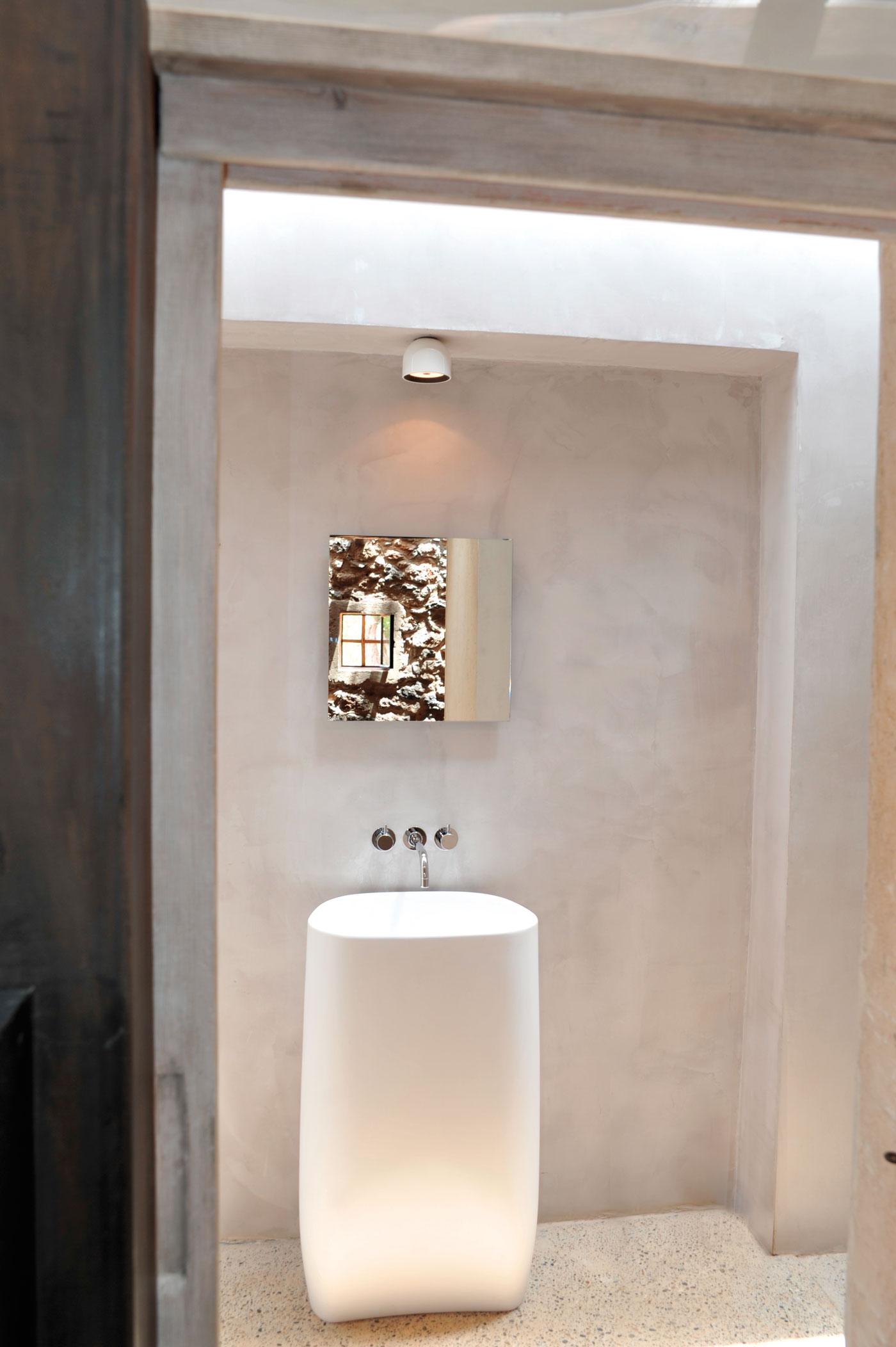 Modern Finca Can Basso transformation bathroom washbasin